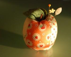 Apple orange close