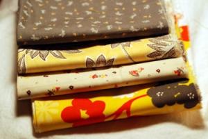 Blog amitie haul grey yellow