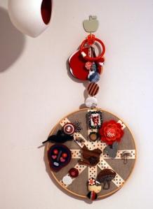 Embroidery-hoop-pinboard-blog
